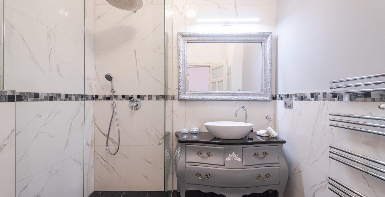 Mramorová koupelna